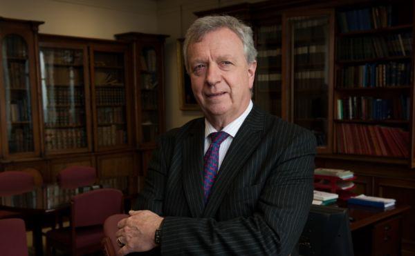 Very Rev Dr John Chalmers