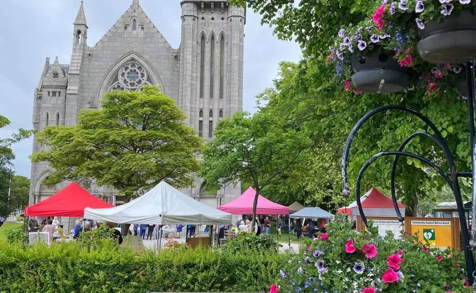 Farmers market Queen's Cross Church