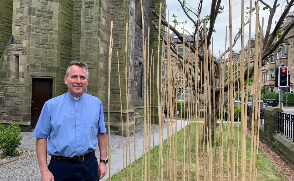 Rev Dr Sandy Forsyth