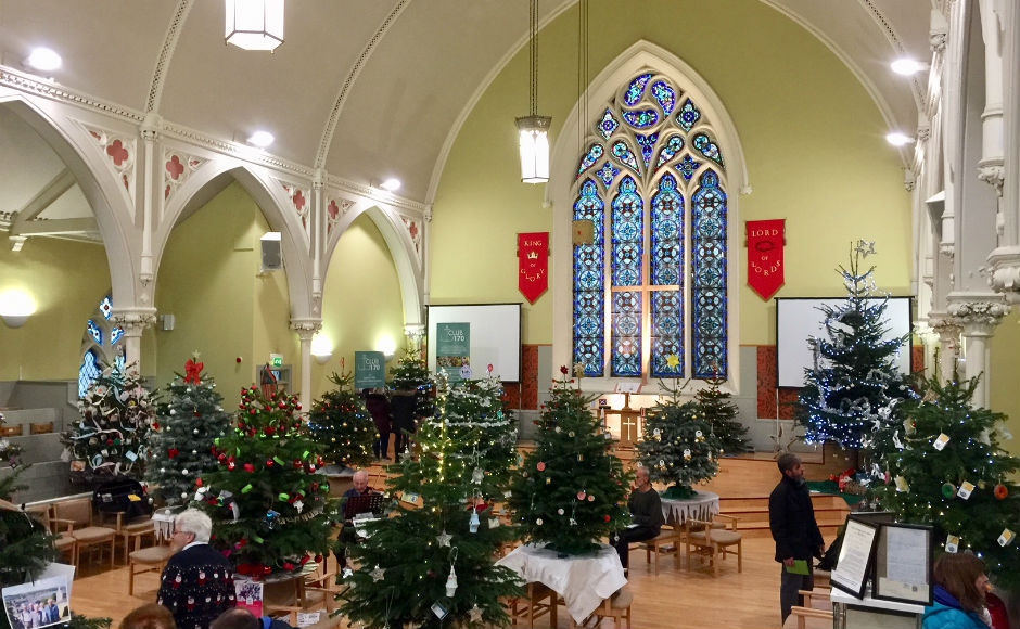 First Minister Opens Glasgow Church Christmas Tree