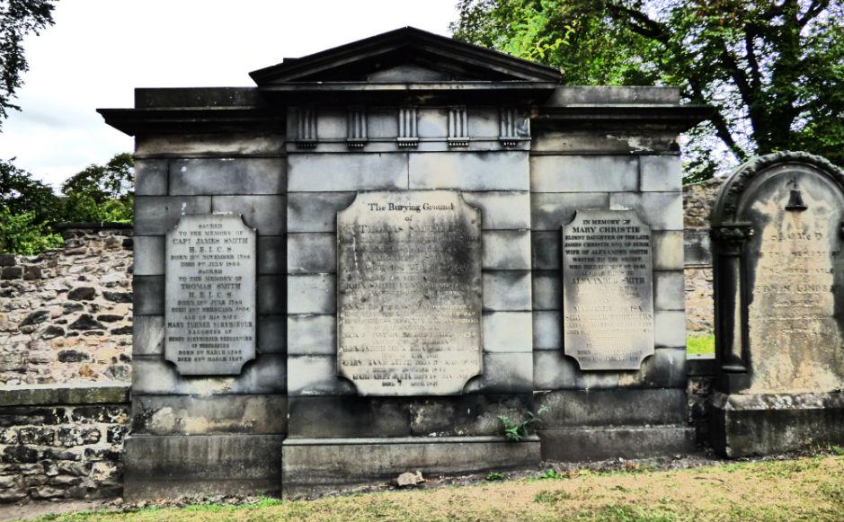 Monument of Thomas Smith