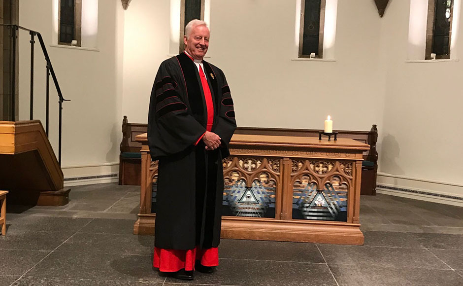 Rev Dr George Whyte in his Queen's Chaplain robes
