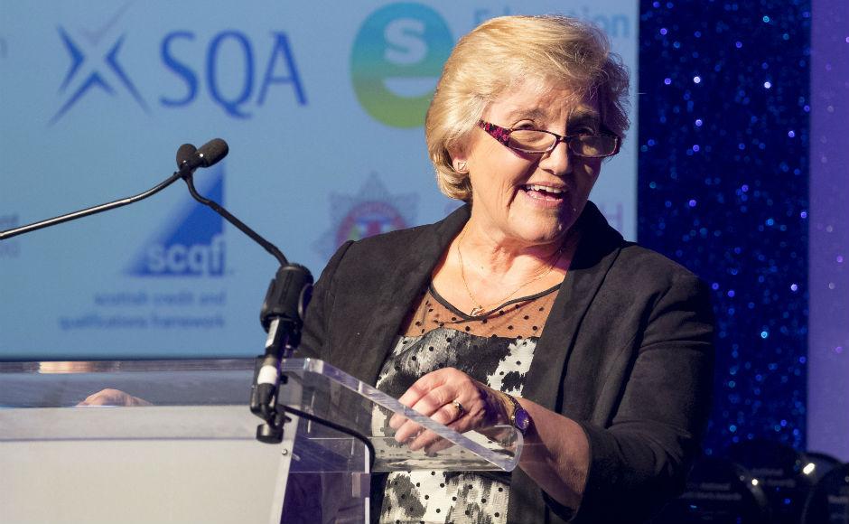 Very Rev Dr Lorna Hood at Youthlink Scotland