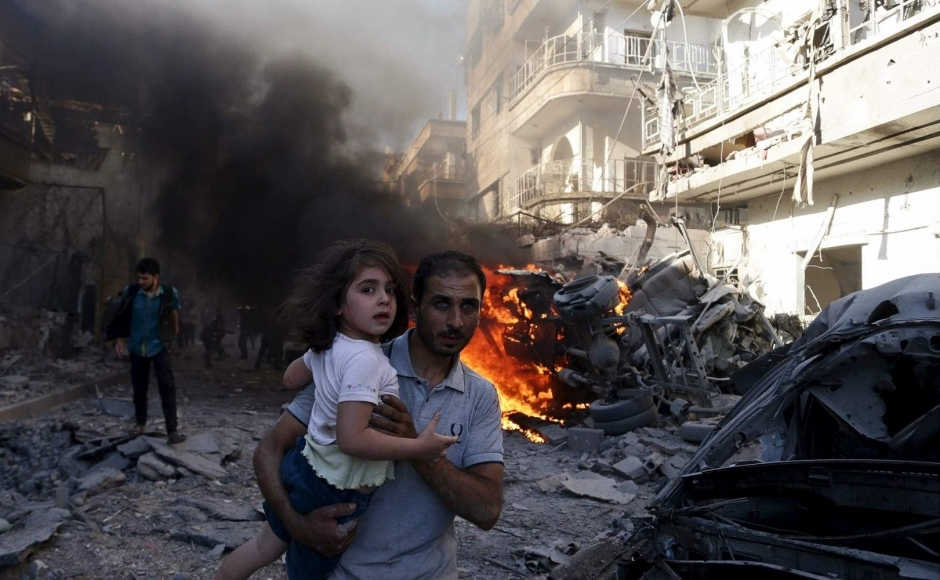 Syria wreckage with family