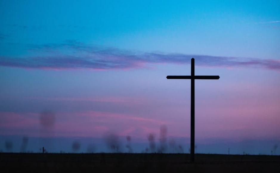 Cross colour blue
