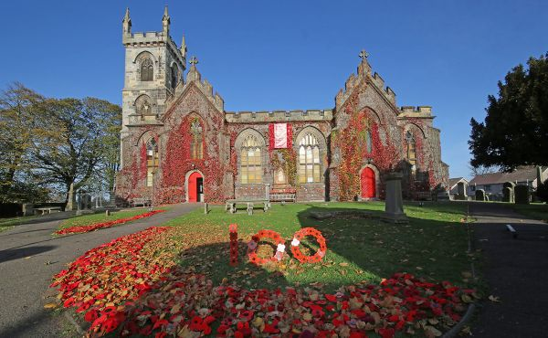 Kirks mark Remembrance Day with moving poppy displays