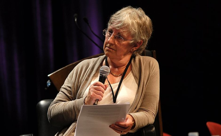 Dr Alison Elliot with microphone