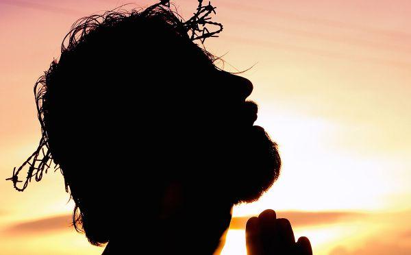 Jesus wearing crown of thorns