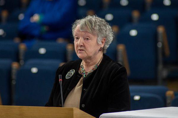 Mrs Mabel Wallace